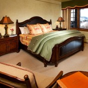 Bear Paw Bedroom -Beaver Creek