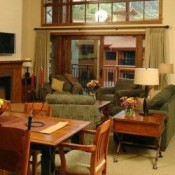 The Lodge at Mountaineer Square Living Room