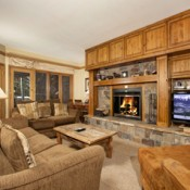 Chateaux DuMont Living Room Keystone