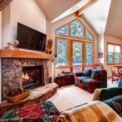 Highlander King Crown Living Room - Breckenridge