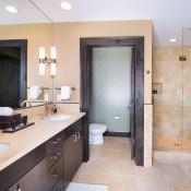 Hummingbird Lodge Bathroom - Beaver Creek