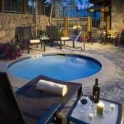 Hummingbird Lodge Hot Tub - Beaver Creek