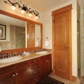 Lone Eagle Bathroom Keystone