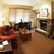 Morning Eagle Lodge Living Room