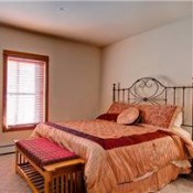 Oro Grande Bedroom Keystone