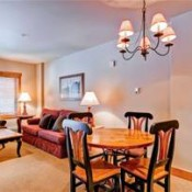 Red Hawk Lodge Dining Room Keystone