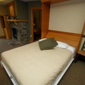 Red Hawk Lodge Studio Bed Keystone