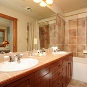Red Hawk Townhomes Bathroom Keystone