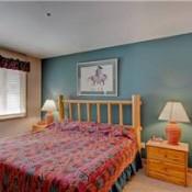 Tyra II Bedroom -Breckenridge