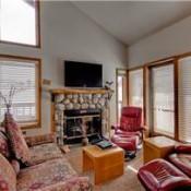 Tyra II Living Room -Breckenridge